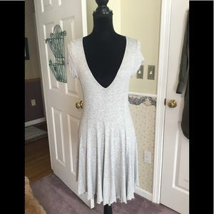 Plunging summer dress with stretch fabric